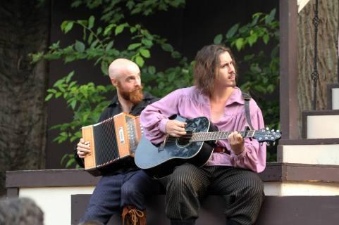 (Greenshow with Jason Leupold on guitar. Photo Credit: Jan Leupold)
